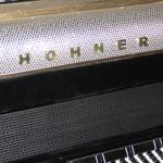 dorobienie-napisu-hohner